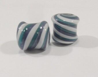 Glass plugs 00g blue and white glass plugs 00 gauge
