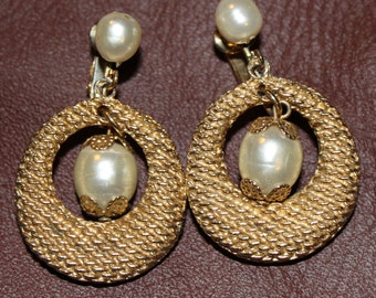 CORO Pearl Earrings
