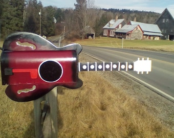 Guitar mailbox