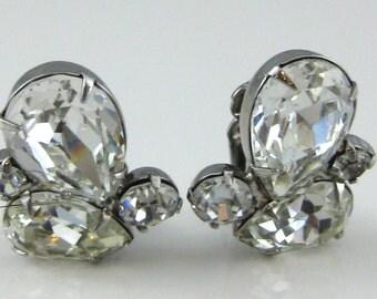 Clip on Earrings, Weiss, Clear Rhinestone, Vintage Costume Jewelry, Art Deco, Cluster Earrings