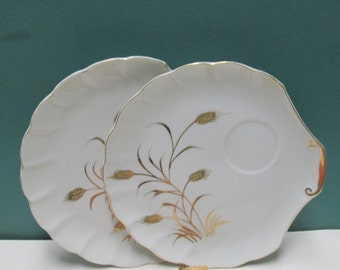 Vintage 2 Clam Shell Plates Lefton Golden Wheat Seafood Shell Luncheon or Snack Dishes Gold Oyster Lot