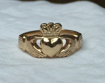 Vintage 14k Yellow Gold Claddagh's Ring