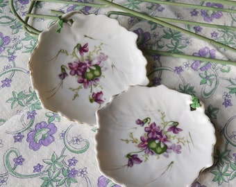 Pair of Vintage Leaf Shaped Ring Dishes with Purple Violets Japan