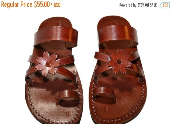 20% OFF Brown Flower-Cross Leather Sandals for Men & Women