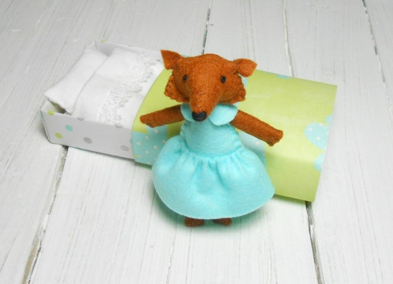 Felt fox with bed matchbox woodland plush stuffed red fox hand made doll baby shower christmas kids gift play set mint teen girl room decor