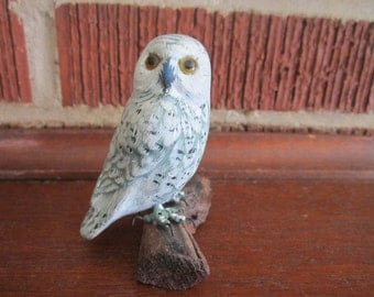 Vintage Beautiful Little Hand Carved Wood White Snowy Owl Bird Sculpture