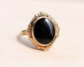 10K Oval Deco Onyx Ring - Size 5.25