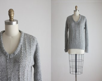 1970s dove gray sweater