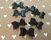 Faux patent leather bow planner clips