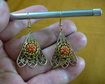 medium filigree scrolled triangular design repro Victorian brass with coral daisy flower gold dangle earrings EE792-16