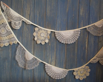 Vintage Doily Bunting. Wedding Bunting. A beautiful 3m strand made out of gorgeous cream and off white doilies.