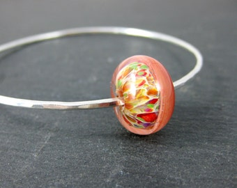 Colorful Stacking Bracelet, Peach Green Ivory Red Glass Bangle Bracelet, Sterling Silver Bracelet, Hammered Silver Bracelet, Simple Bracelet