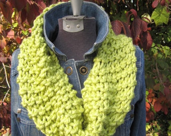 Green Apple Chunky Knit Cowl / Scarf