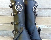 Primitive Oiled Black Leather Peaked Spats with Nickel Raven Skull & Antiqued Distressed Ring