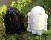 Salt and pepper shakers,robot, black, white, ceramic