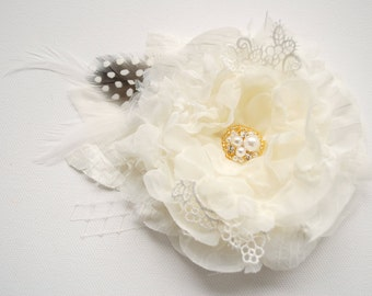 Ivory Bridal Hair Flower, Weddings Ivory Accessories, Bridesmaids Ivory Headpiece, Bridal Ivory Hair Clip, Bridal Brooch, Flower for Sash