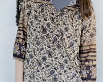 70s Vintage/ Bell Sleeve paisley Blouse/ Size Large