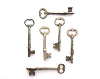 6 Vintage skeleton keys Vintage keys Six antique keys Antique skelton keys Antique skeleton keys Key collection Old rustic keys bit keys #3