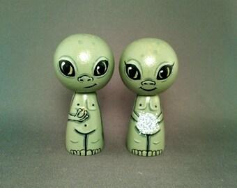 Little Green Men Martian Alien Cake Topper Kokeshi Dolls