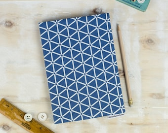 A5 Karin Sketchbook, blue and white hexagon pattern, geometric design, paper suitable for painting, drawing and watercolour