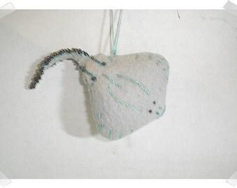 Stingray Ornament/Pointed/Felt/ Handmade*/MADE to Order**