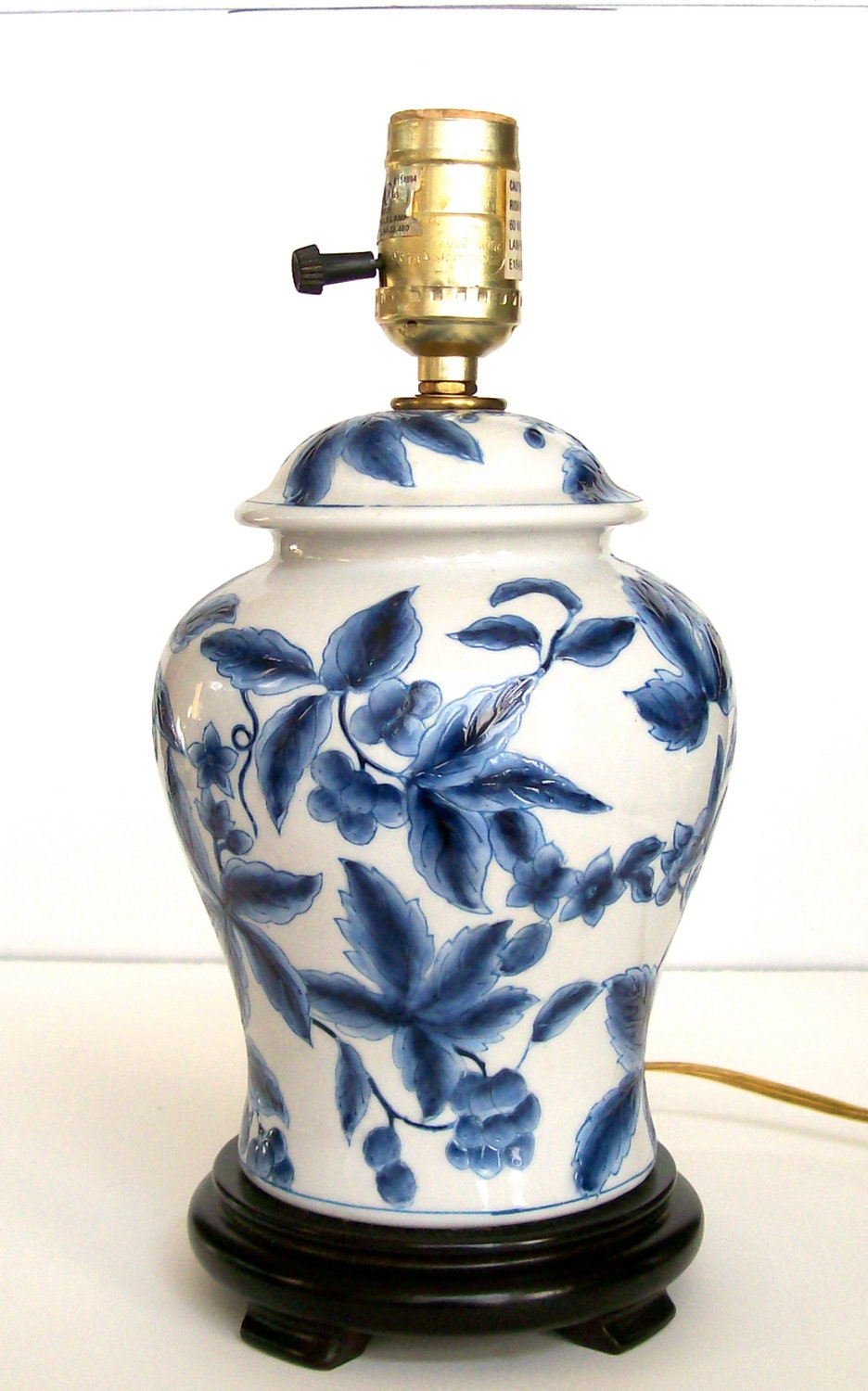 blue and white electric lamp porcelain chinoiserie lamp. Black Bedroom Furniture Sets. Home Design Ideas