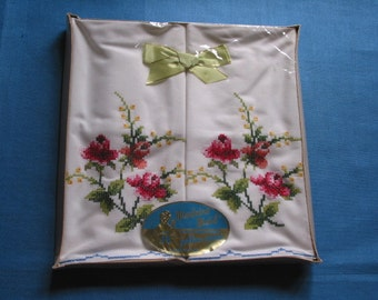 Pair Vintage Cross Stitch Roses Embroidered Unused Madeira Maid Pillowcases Original Box