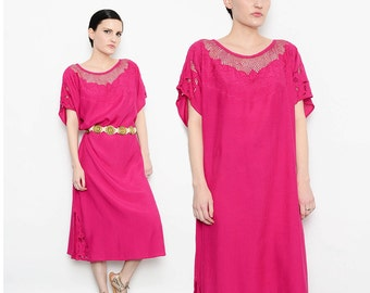 80s Pink Embroidered Floral Hawaiian Caftan Sheer Crochet Cut Out Neckline Bohemian Kaftan Loose Draped Midi Dress M L