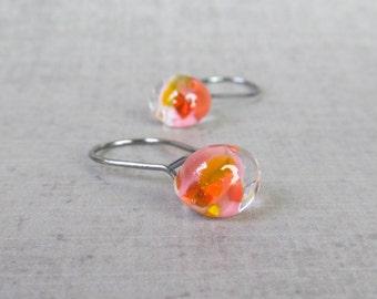 Small Mottled Coral Earrings, Small Wire Earrings Dark Silver, Lightweight Earrings, Pink Orange Earrings, Lampwork Earring, Oxidized Silver