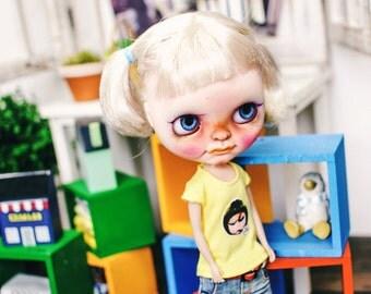 Blythe ugly girl - Yellow
