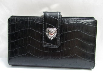 Vintage NOS Mundi Black Moc Croc Embossed Faux Leather Wallet Clutch Purse - checkbook, currency, change, ids and credit cards