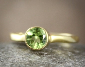 50 OFF SALE August Birthstone Ring - Green Peridot Ring - Brilliant Round Cut, Vermeil Gold