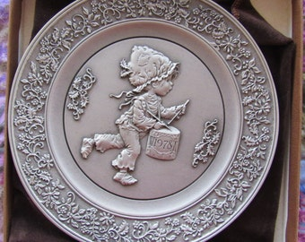 Nice 1979 Hallmark Pewter Collectible Christmas Plate In Original Box