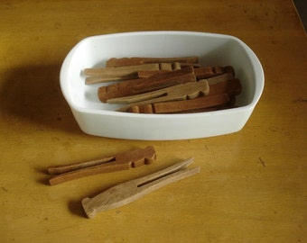 Vintage Clothespins - Fourteen Wooden Laundry Pins