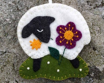 Felt sheep ornament, Handmade felt sheep, Irish sheep ornament, Sheep Christmas ornament, Sheep Christmas gift, Irish gift