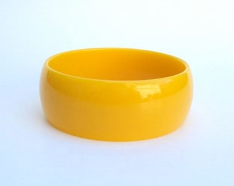 Chunky Bangle Mustard Yellow Plastic NWT Vintage