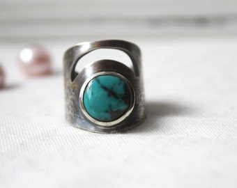 Oxidized Sterling Silver Ring with a round 12 mm Turquoise Gemstone - Jewelry 925 - Size 7.5