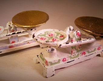 12th Scale Doll House Shabby Chic Kitchen Scales