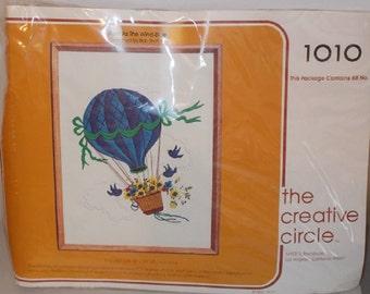 Vintage Creative Circle Crewel Embroidery Kit Blue Hot Air Balloon