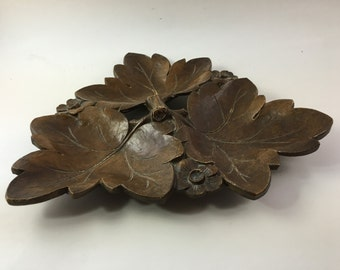 Vintage Syrocco or Syrocco - like wooden dish tray with Leaves and Flowers