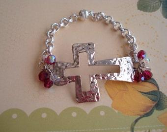 METAL CROSS BRACELET Chain Toggle Clasp Czech Glass Beads Silvertone Beaded Cross