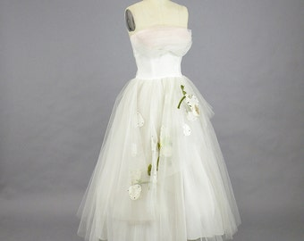 1950s Prom Dress, 50s Dress, Strapless Tulle Dress, 50s Formal Party Dress with Floral Appliqués