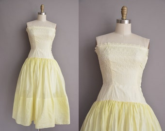 50s yellow cotton embroidered vintage strapless dress / vintage 1950s dress