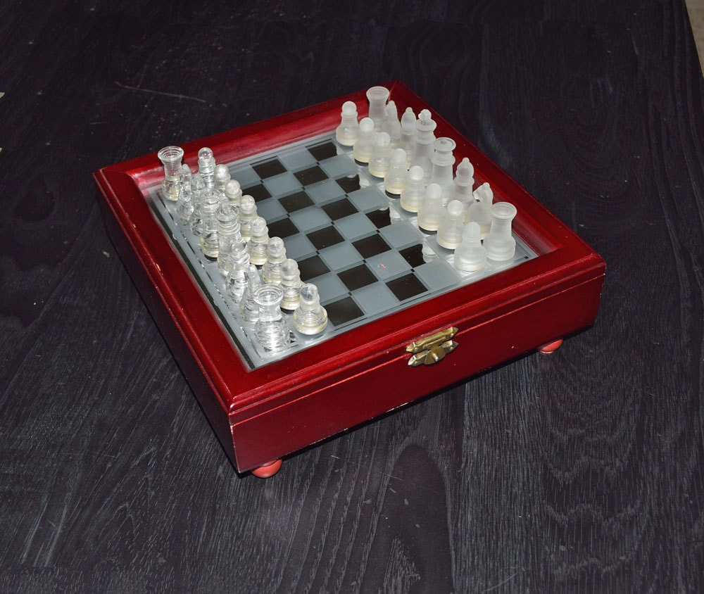 Vintage Traveling Chess Set With Glass Chess Pieces Glass