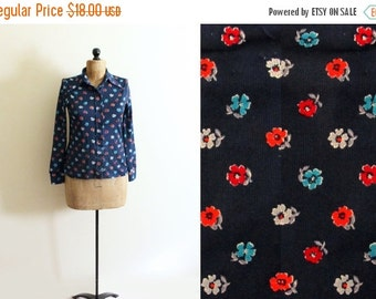 50% OFF SALE SALE vintage blouse flower print shirt 70s midnight blue retro floral groovy 1970s womens clothing size s m small medium