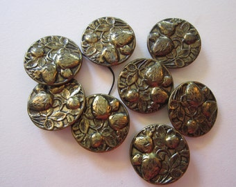 8 vintage metal STRAWBERRY buttons - 7/8 inch buttons