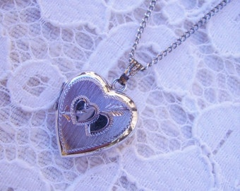 Vintage Sterling Silver Double Heart Etched Heart Locket Necklace