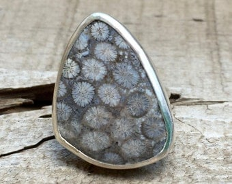 Edgy Light Grey Starburst Geometric Free Form Triangle Fossil Ring in Sterling Silver