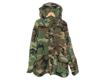 Vintage Army Issue Hooded Cold Weather Camouflage Parka Made in USA - Large / Regular (os-m-3)