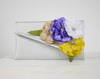 Bridesmaid bouquet alternative | bouquet clutch in custom colors